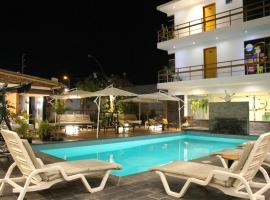 Hotel Miramar, hotel with pools in Huarmey
