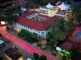 Angkor Holiday Hotel, hotel near Angkor National Museum, Siem Reap