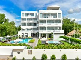 Naia Resort, отель в Сиануквиле