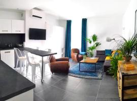 Beautifully Bright Apartment in Old Town Saint-Tropez, pet-friendly hotel in Saint-Tropez