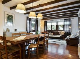 Luderna - Apartamento con terraza Bonaigua B2 Salient, pet-friendly hotel in Baqueira-Beret