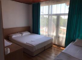 ZÜMRÜT PANSİYON, отель в Сиде