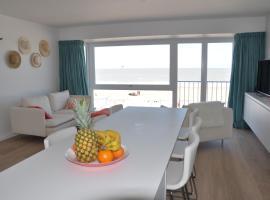 Prachtig ingericht appartement met frontaal zeezicht in Duinbergen, spa hotel in Knokke-Heist