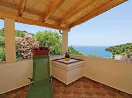 Apartment Mare with Sea View, budget hotel in Sali