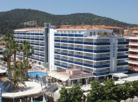 Hotel Riviera, отель в Санта-Сусанне