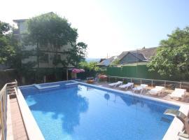 Emily Guest House, hotel in Dzhubga