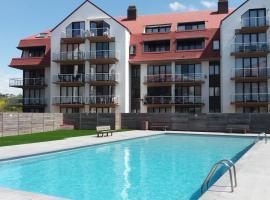 Apartment Green Garden Block L, hotel with pools in Middelkerke