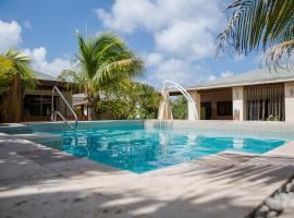 Little Jungle Apartments Aruba, hotel perto de Praia de Eagle, Palm-Eagle Beach