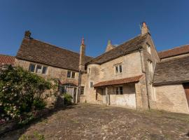 Medieval Malthouse, pet-friendly hotel in Bath