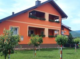 Rooms Sapina, guest house in Korenica