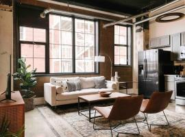 Sunny Gay St Loft, apartment in Knoxville