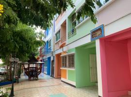 Penthiphouse โรงแรมใกล้ มหาวิทยาลัยรังสิต ในBan Bang Phun