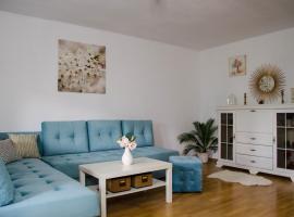 Collosal Apartment with Garden, מלון ליד Obor Train Station, בוקרשט