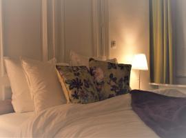 Spacious apartment - B&B InterMezzo for business & leisure, hotel near Silver Museum Sterckshof, Antwerp