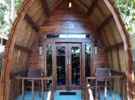 JATI BAR AND BUNGALOW, hotel near Bangsal Harbour, Pawenang