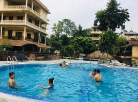 Hotel River Side, hôtel à Sauraha