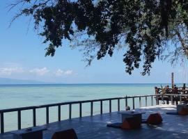 Mikasa Beach House Koh Phangan, hotel near Loi Lay Floating Party, Baan Tai, Ban Tai