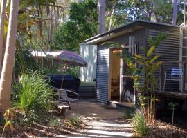 little beach house, hotel in Iluka