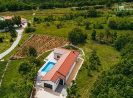 Villa New Home, villa whit pool in Imotski near Makarska, hotel in Imotski