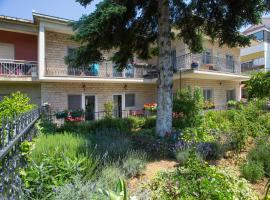Apartments Ursic, hotel near Croatian Maritime Museum, Split