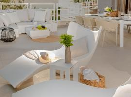 The Pleasurist only your pool and terrace, apartment in Split