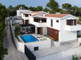 Villa Punta Radman, holiday home in Petrcane