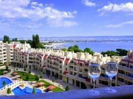 Апартаменти Варна Саут на плажа - Varna South Apartments on the beach, хотел близо до Плаж Аспарухово, Варна
