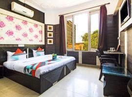 FabExpress Royal Residency Suites, hotel near Sri Guru Ram Dass Jee International Airport - ATQ, Amritsar