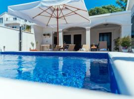 Apartments Paradies, self catering accommodation in Hvar