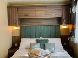 Luxury at Seton Sands Edinburgh., hotel with pools in Edinburgh