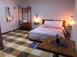 Casa Alamanda - Alojamiento, Bar & Coworking, hotel near Duty Free Shop Puerto Iguazu, Ciudad del Este