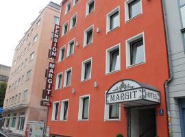 Pension Margit, hotel in Munich