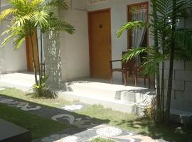 Green three bed room villa private pool, apartment in Legian