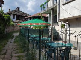 "Семеен хотел "" И пак дойдох"", hotel in Tryavna"