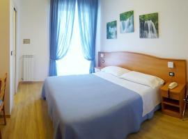 Hotel Mare Blu, hotell i Pineto