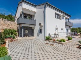 Apartmani Jadranka, apartment in Starigrad-Paklenica