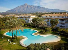 Great Puerto Banus Apartment, lägenhet i Marbella