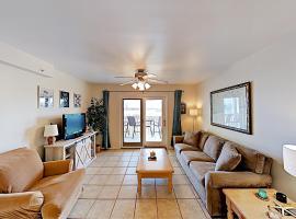 New Listing! Old River Condo W/ Pool & Boat Slip Condo, apartment in Pensacola