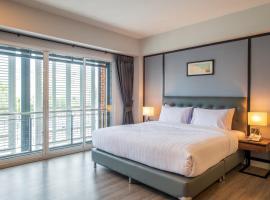 Mayson Place Hotel, hotel near Mega Bangna, Ban Phraek Sa
