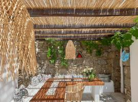 Bellou Suites, hotel near Mykonos Old Port, Mikonos