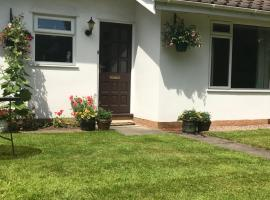 Fir Tree Cottage, hotel near Chester Zoo, Chester