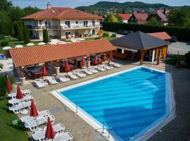 Villa Plattensee, hotel poblíž významného místa Budhistická stúpa, Vonyarcvashegy