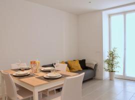 Ideale per famiglie e piccoli gruppi + WiFi + Garage, apartment in Levico Terme