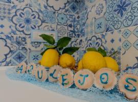 Casa Azulejos, self catering accommodation in Maiori