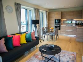 Thames View 2 Bed Apartment With Balcony, hotel in London