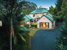 Villa Della Rosa Bed & Breakfast, hotel near Tamborine Rainforest Skywalk, Tamborine Mountain