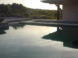 The Straw House, hotel with jacuzzis in Alghero
