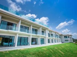 Viva Montane Hotel Pattaya, hotel near U-Tapao Rayong-Pattaya International Airport - UTP, Sattahip