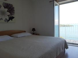 apartment for family, room in Sobra