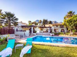 OleHolidays Villa Mediterranea Urb. Sierra Blanca, hotel in Marbella